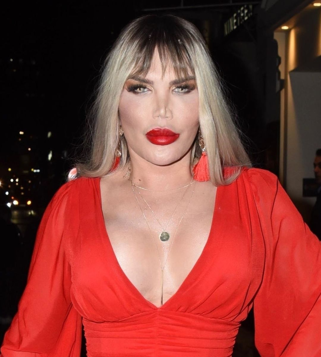 Photo © 2020 Backgrid UK/The Grosby Group Spain: Lagencia Grosby  EXCLUSIVE  London, UK, 8 Feb, 2020.  The Brazilian-British television personality Roddy Alves, formerly Rodrigo Alves and self proclaimed 'Human Ken Doll' is pictured showing off her curves in a stunning red dress out for an evening out in Mayfair  Pictured: Rodrigo Alves - Roddy Alves