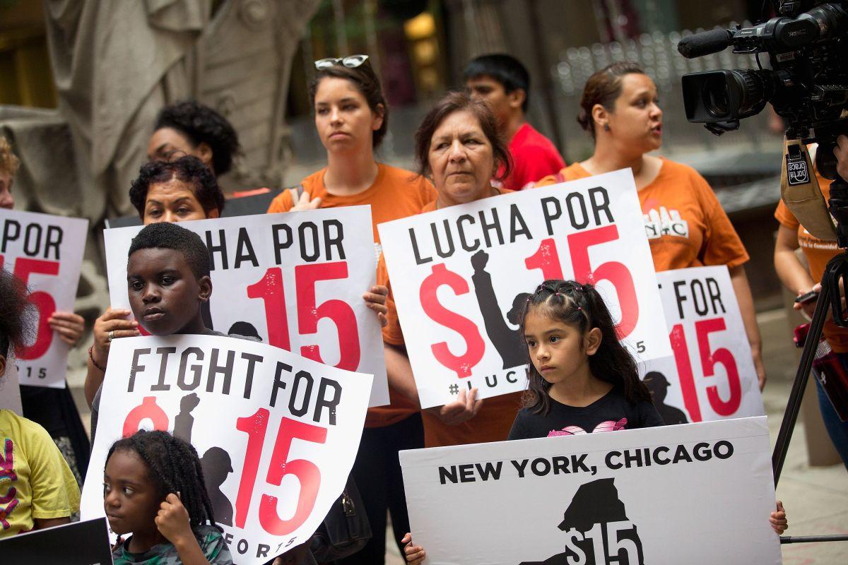 Dueños de pequeñas empresas aseguran que el alza en el salario mínimo a $15 traería despidos
