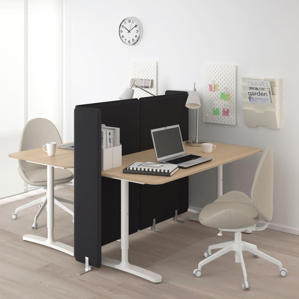 Crea ambientes distintos con los 5 separadores de interiores de menos de $200 de Ikea
