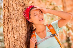 ¿Cuáles son los riesgos y complicaciones de la deshidratación?