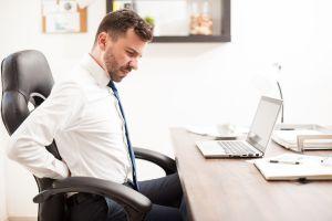 6 tips para mejorar la postura y ergonomía cuando trabajas mucho tiempo sentado