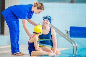 Descubre los beneficios de la hidroterapia: fisioterapia en el agua