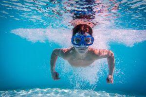 7 consejos para prevenir ahogos de niños en la piscina