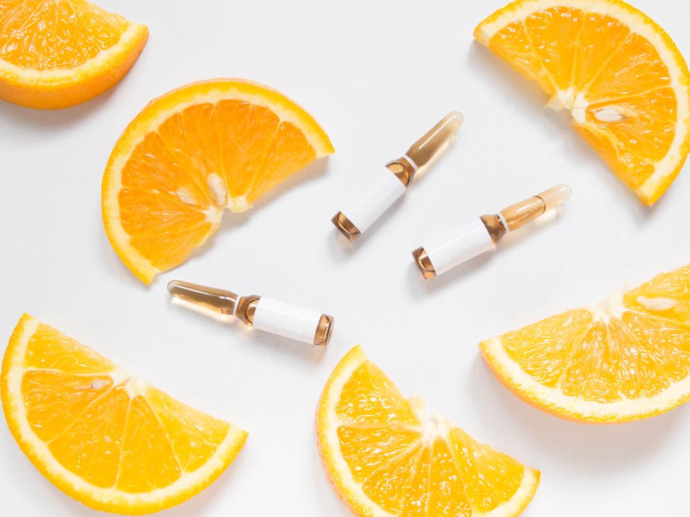 3 beneficios de la vitamina C que ayudan a mejorar el aspecto y salud de las pieles maduras