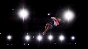 A falta de Juegos Olímpicos: Simon Biles pone a otro nivel los retos virales con su 'challenge imposible'