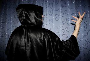 ¿Qué es la magia negra y por qué es tan peligrosa?