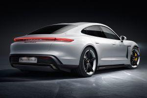 Mira cuántos segundos el Porsche 911 Turbo S hace en un cuarto de milla