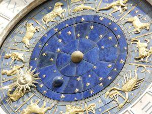 ¿Cuáles son los ascendentes en el horóscopo y por qué son tan importantes?