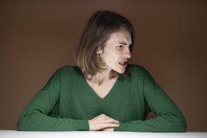 Rituales y amuletos para evitar que la envidia te afecte en el trabajo