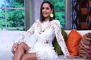 Carmen Villalobos presume las piernas en sensual pijama desde la cama