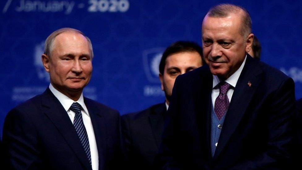 Putin negoció con Erdogan, un cese el fuego en Idlib.