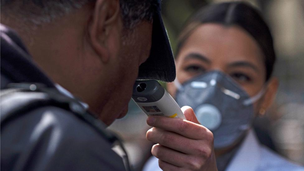 3 medidas que México está tomando frente al coronavirus y que aprendió con la pandemia de 2009