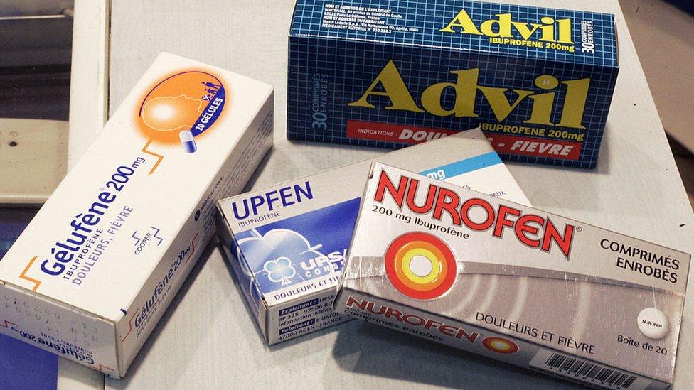 ¿Es seguro o no combatir el coronavirus con ibuprofeno? La OMS responde