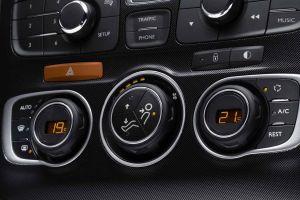 5 cosas que no debes hacer con el aire acondicionado del auto