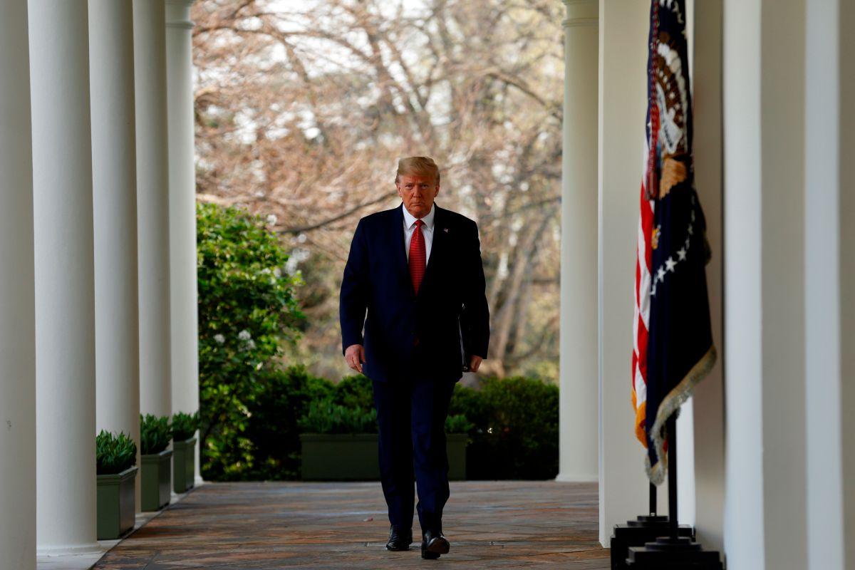 Trump extiende hasta el 30 de abril restricciones federales por coronavirus