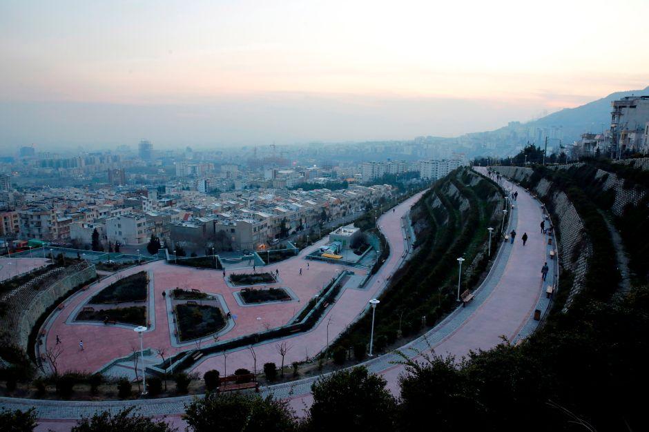 Irán construye enormes fosas comunes en medio de la pandemia del coronavirus