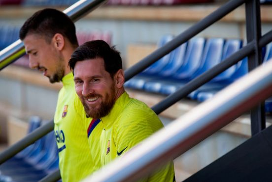 Lionel Messi y sus compañeros recibirán rutinas de entrenamiento personalizado directo en su teléfono.