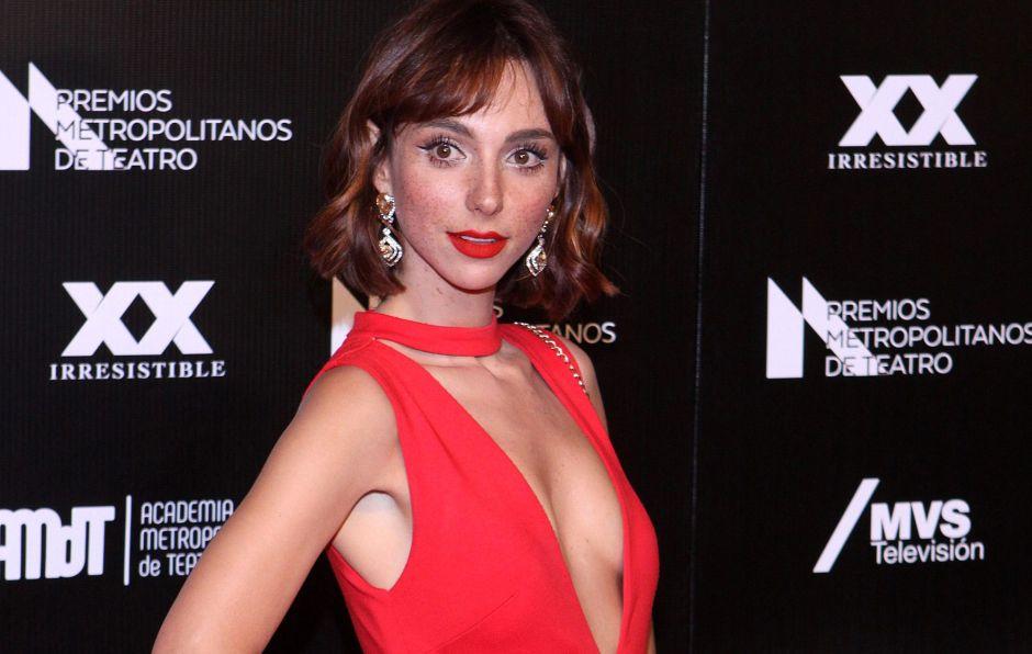 Natalia Téllez estrena galán y grita su amor a los cuatro vientos