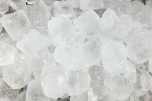 Ritual con hielo, el remedio para congelar las envidias