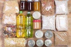 ¿Qué pasa si comes alimentos caducados?