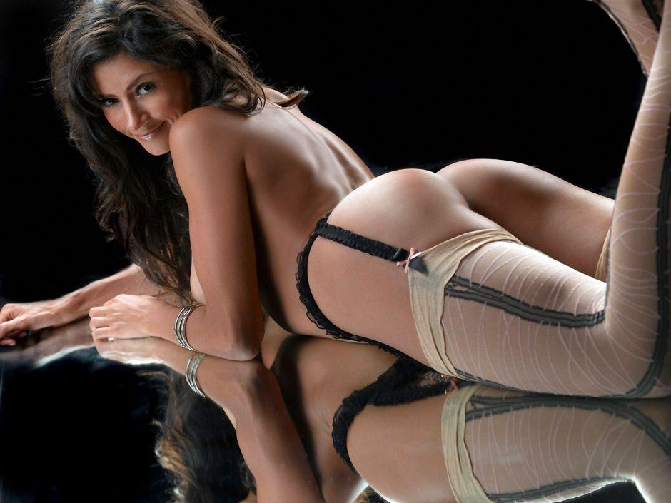 Dorismar posa de espaldas para presumir su retaguardia con un sensual body blanco