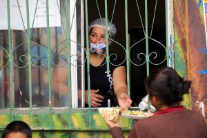 Un albergue migrante construye un refugio para contagiados con el COVID-19