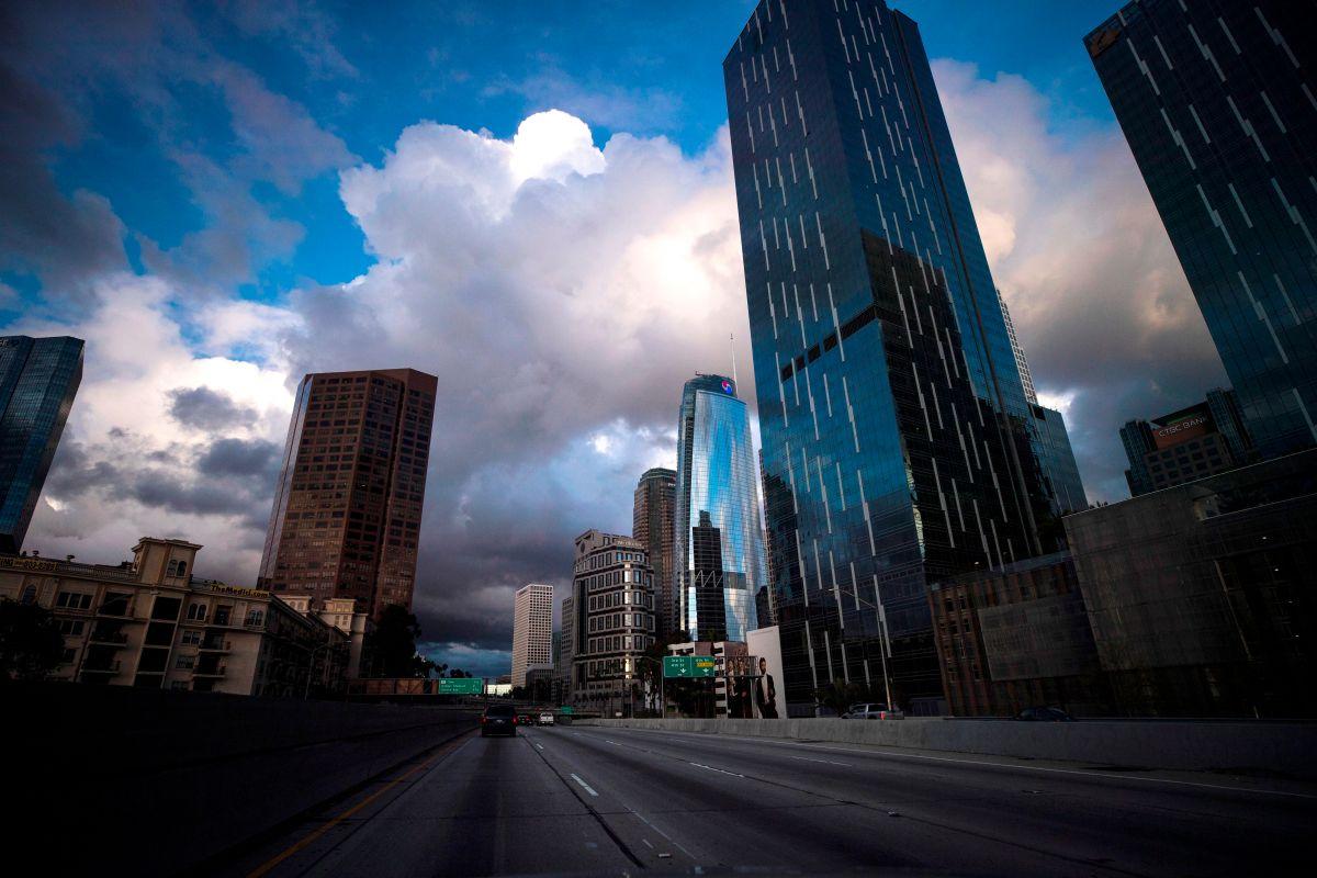 El centro de Los Ángeles está desierto por la cuarentena del coronavirus.