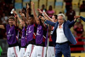 """Jorge Jesús, DT del Flamengo, da """"positivo de forma débil"""" al coronavirus y manda mensaje desde su casa"""