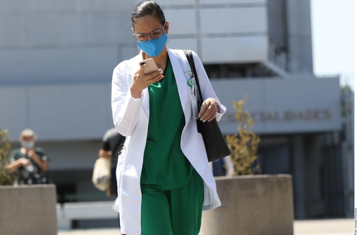Personal médico que atiende a enfermos por coronavirus ha sufrido actos discriminatorios.