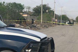 FOTO: Matan a mujer y 4 hombres; sicarios abandonan cuerpos en carretera