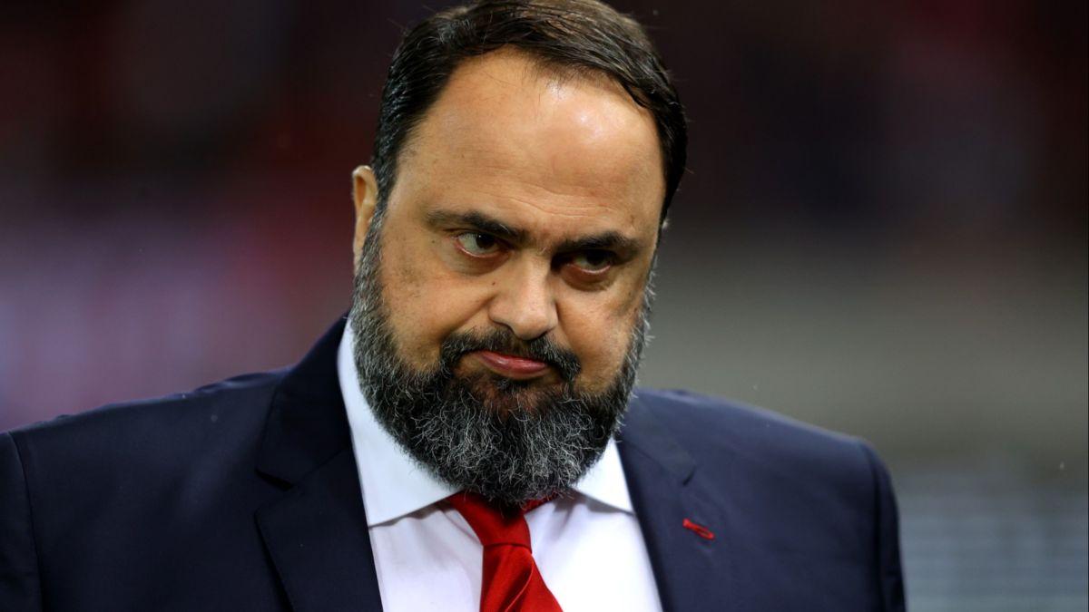 Presidente del Olympiacos y Nottingham Forest contrae coronavirus