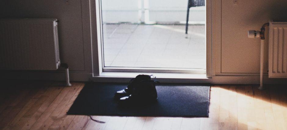 Los 4 mejores productos para limpiar y desinfectar tus zapatos antes de entrar a la casa