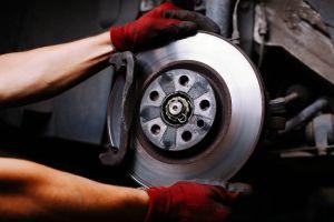 ¿Cuánto duran los discos de los frenos del auto?