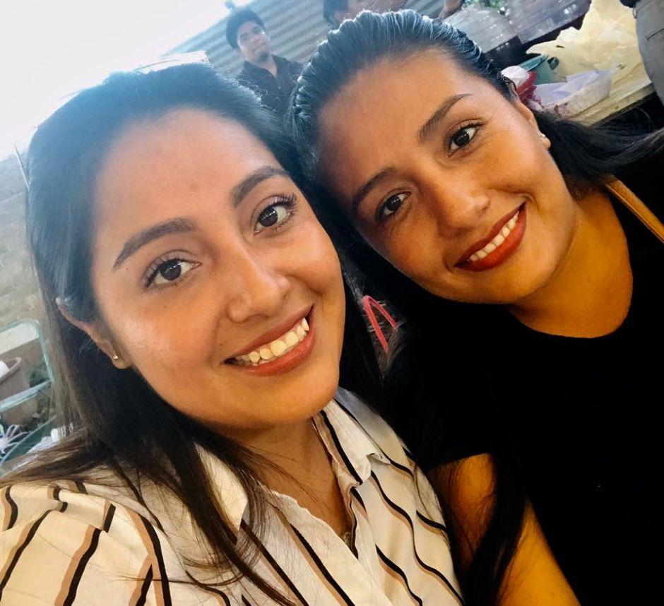 Brenda Muñoz (izquierda) con su hermana radicada en New Jersey.
