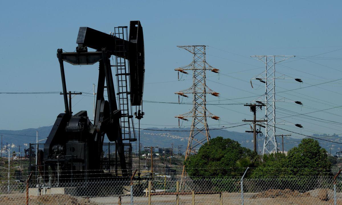 Campo petrolero cerca del centro de Los Ángeles.