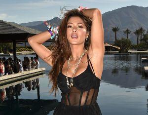 Arianny Celeste la octagon girl más famosa y el bikini que remarcó su anatomía