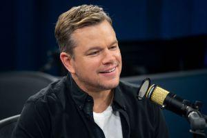 """""""Les deseo lo peor"""", dijo Matt Damon bromeando acerca del romance de su amigo Ben Affleck y Jennifer Lopez"""