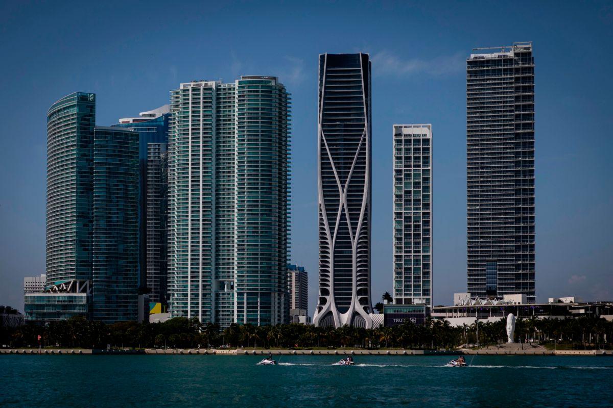 Orden el cierre de todos los hoteles de Miami como medida de prevención por el coronavirus