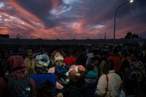 Corte Suprema respalda plan de Trump contra inmigrantes y programa Permanecer en México