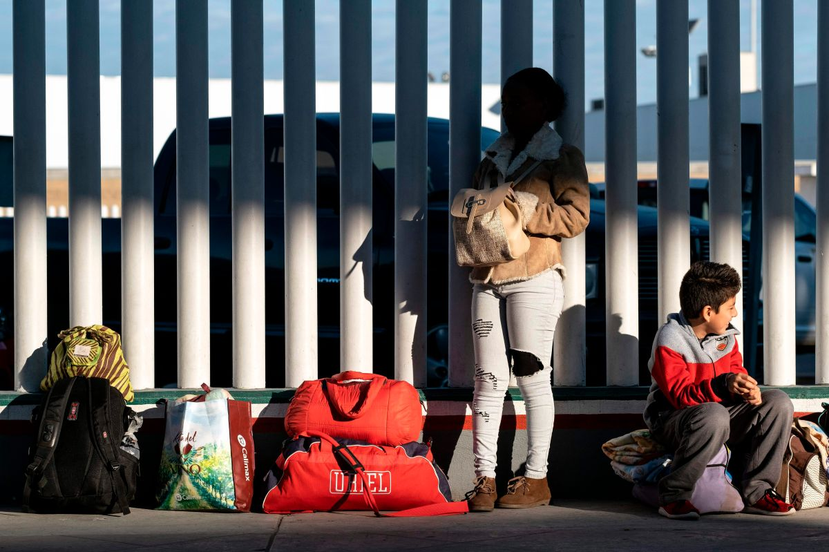 La regla afectaría también a quienes están detenidos en la frontera y buscan amparo.