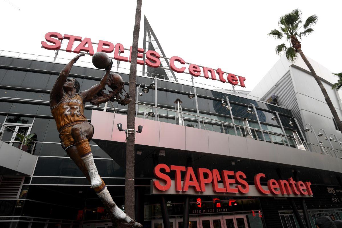 Los Lakers de Los Ángeles podrán realizar prácticas escalonadas y en grupos pequeños.