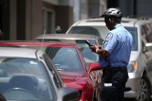 Suspendidas las multas de estacionamiento en las calles de Los Ángeles