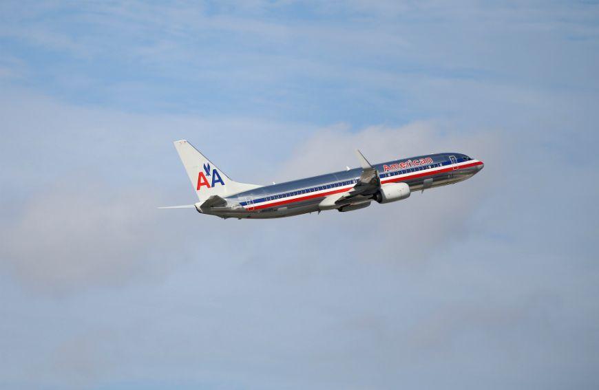 Las aerolíneas American y United anuncian el despido de 32,000 trabajadores
