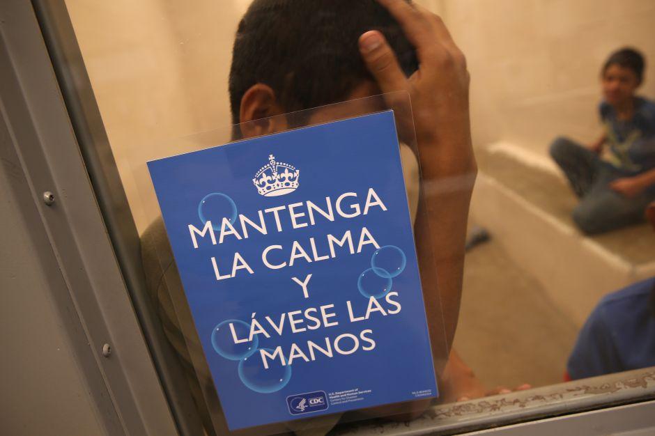Advierten que más de 1,000 niños detenidos por inmigración están expuestos al coronavirus
