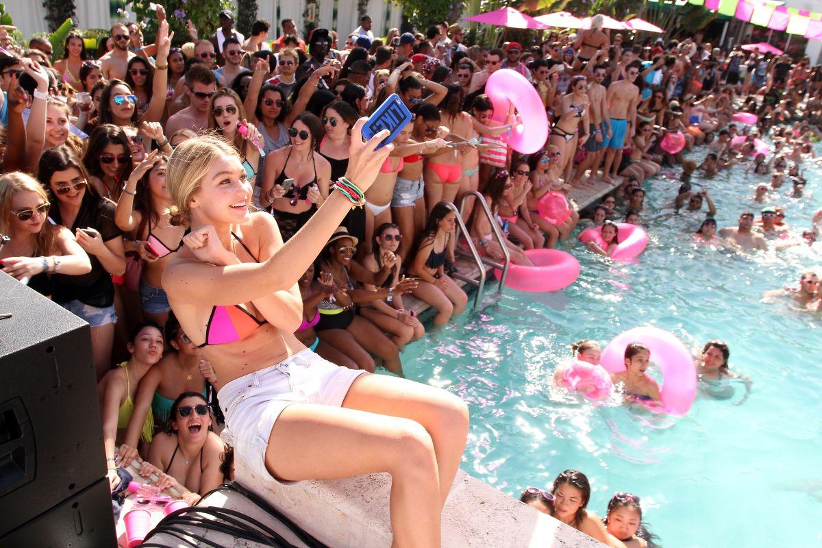La Universidad de Florida cancela el Spring Break por el coronavirus