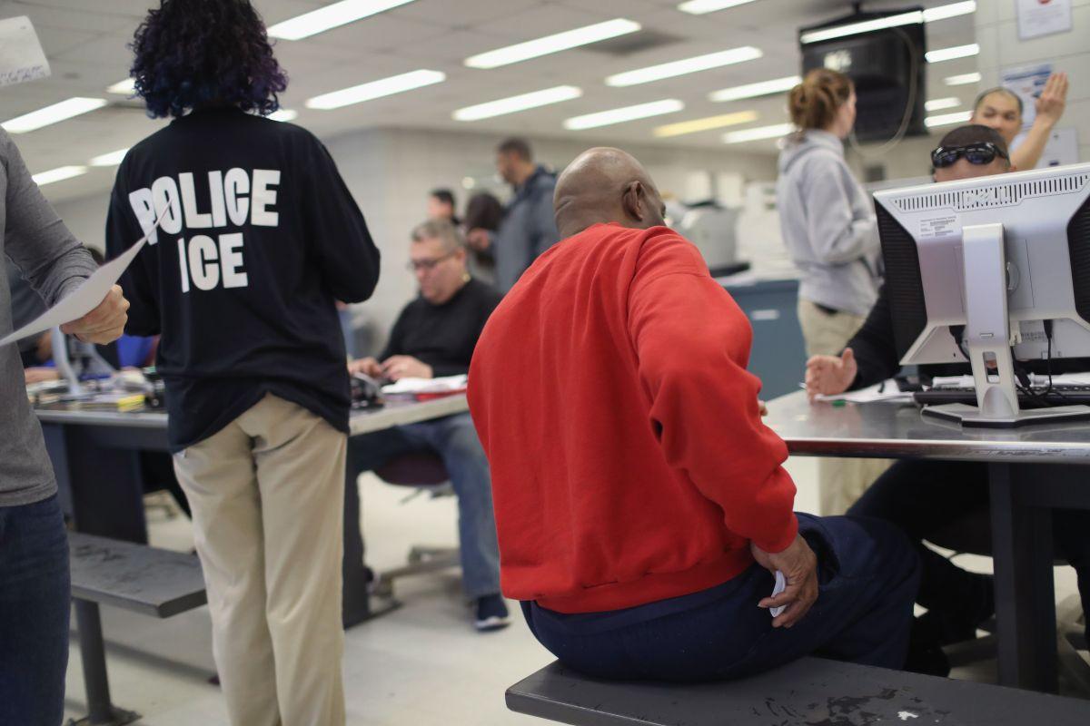 ICE reporta a cuatro inmigrantes con COVID-19.