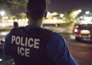 """Abogados acusan a ICE de violar regla de """"lugares sensibles"""" al detener a inmigrante en hospital"""