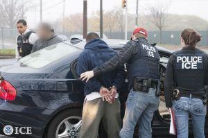 Los tres grupos de indocumentados a los que afectará las deportaciones exprés que ICE ya está ejecutando