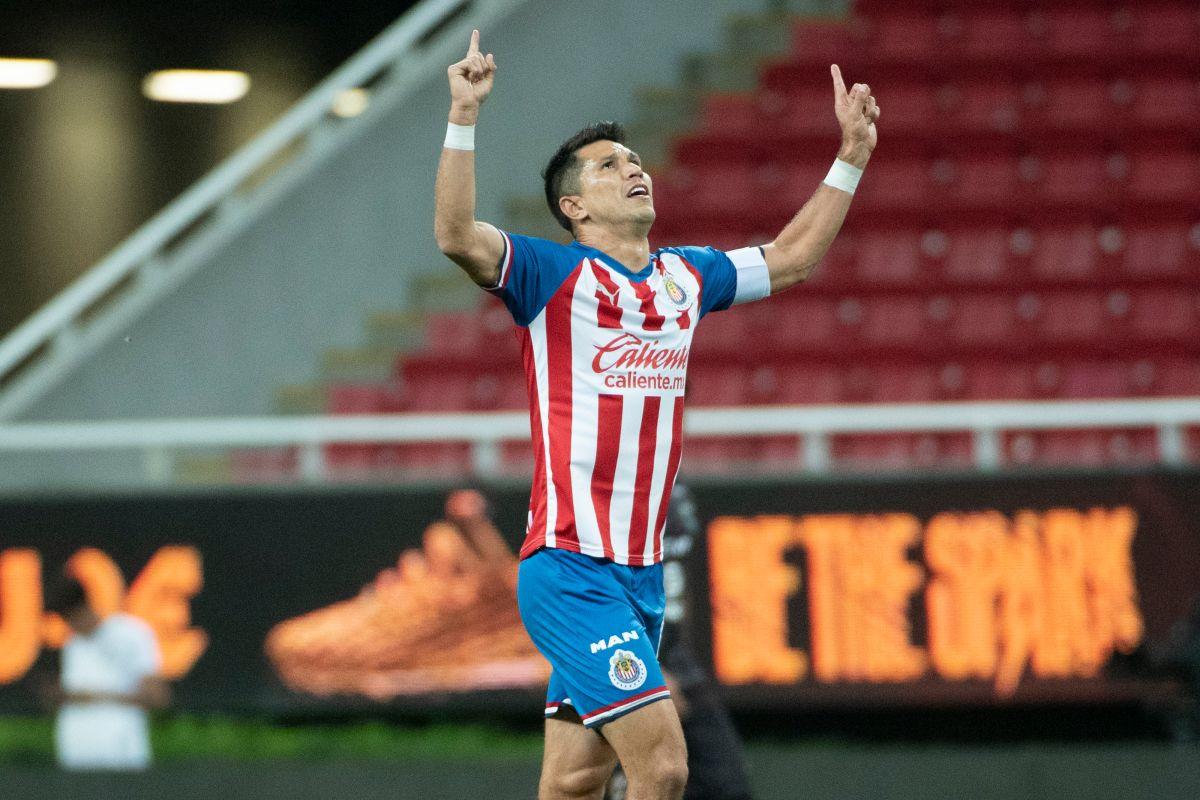 ¡Capitán de oro! Jesús Molina volvió a ser el mejor jugador de Chivas