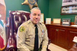 Sheriff de Los Ángeles dice que los nombres de alguaciles involucrados en tiroteos ahora serán publicados en 30 días